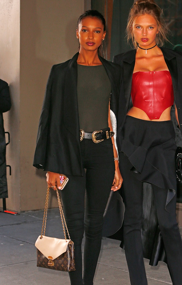 Jasmine-Tookes-Louis-Vuitton-Pallas-Chain-Bag
