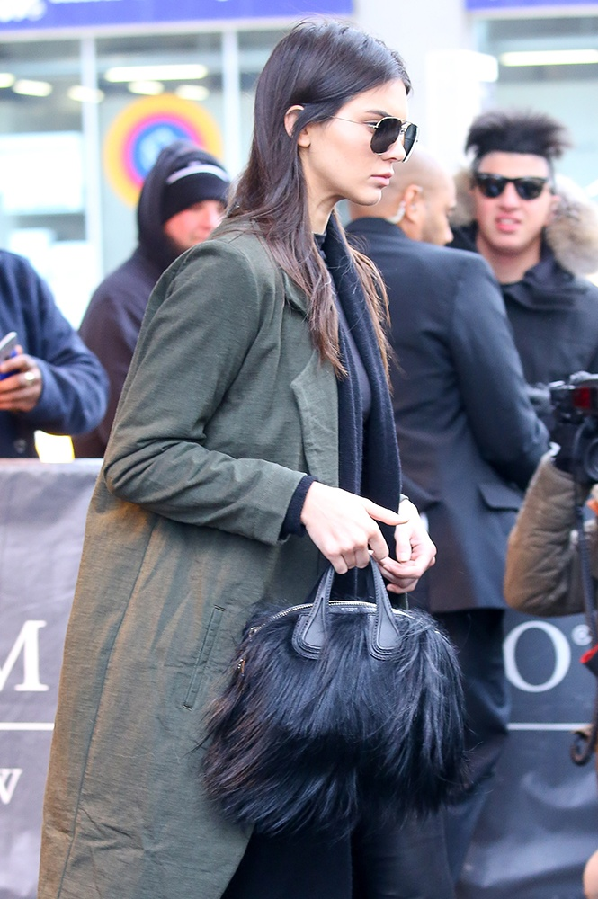 Kendall-Jenner-Givenchy-Nightingale-Bag