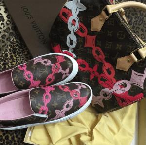 Louis-Vuitton-PoppyRose-Ballerine-Monogram-Bay-Speedy-30-Bag-and-Slip-On-Sneakers-300x299