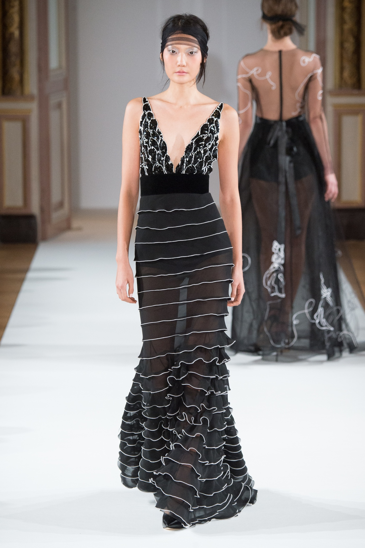 yanina_couture_ss16___look_22_jpg_9537_north_1382x_black