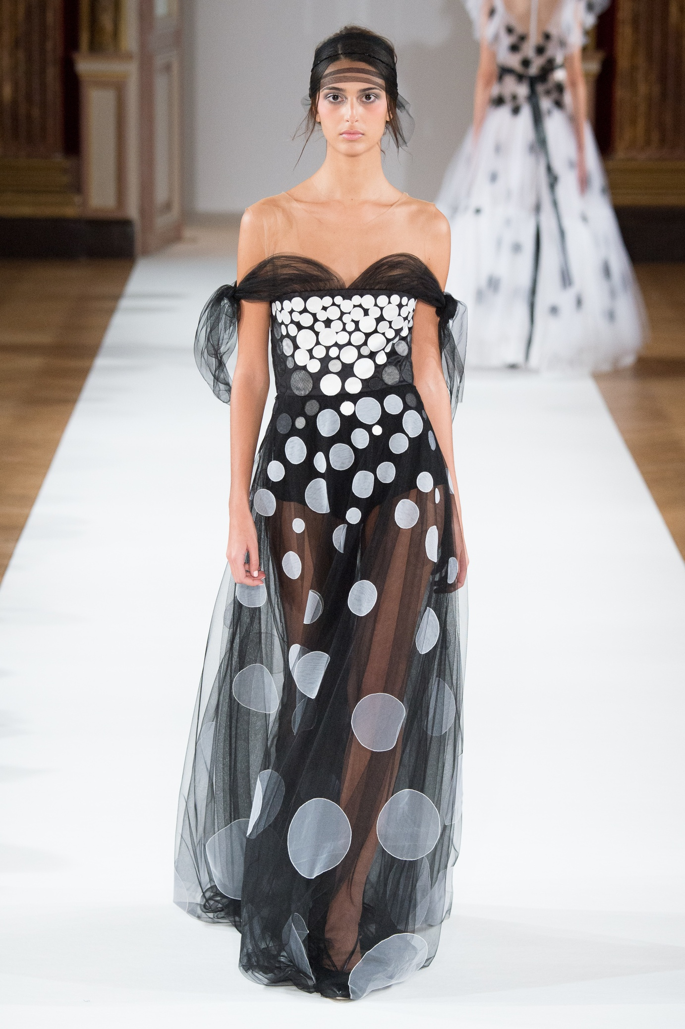 yanina_couture_ss16___look_24_jpg_5690_north_1382x_black