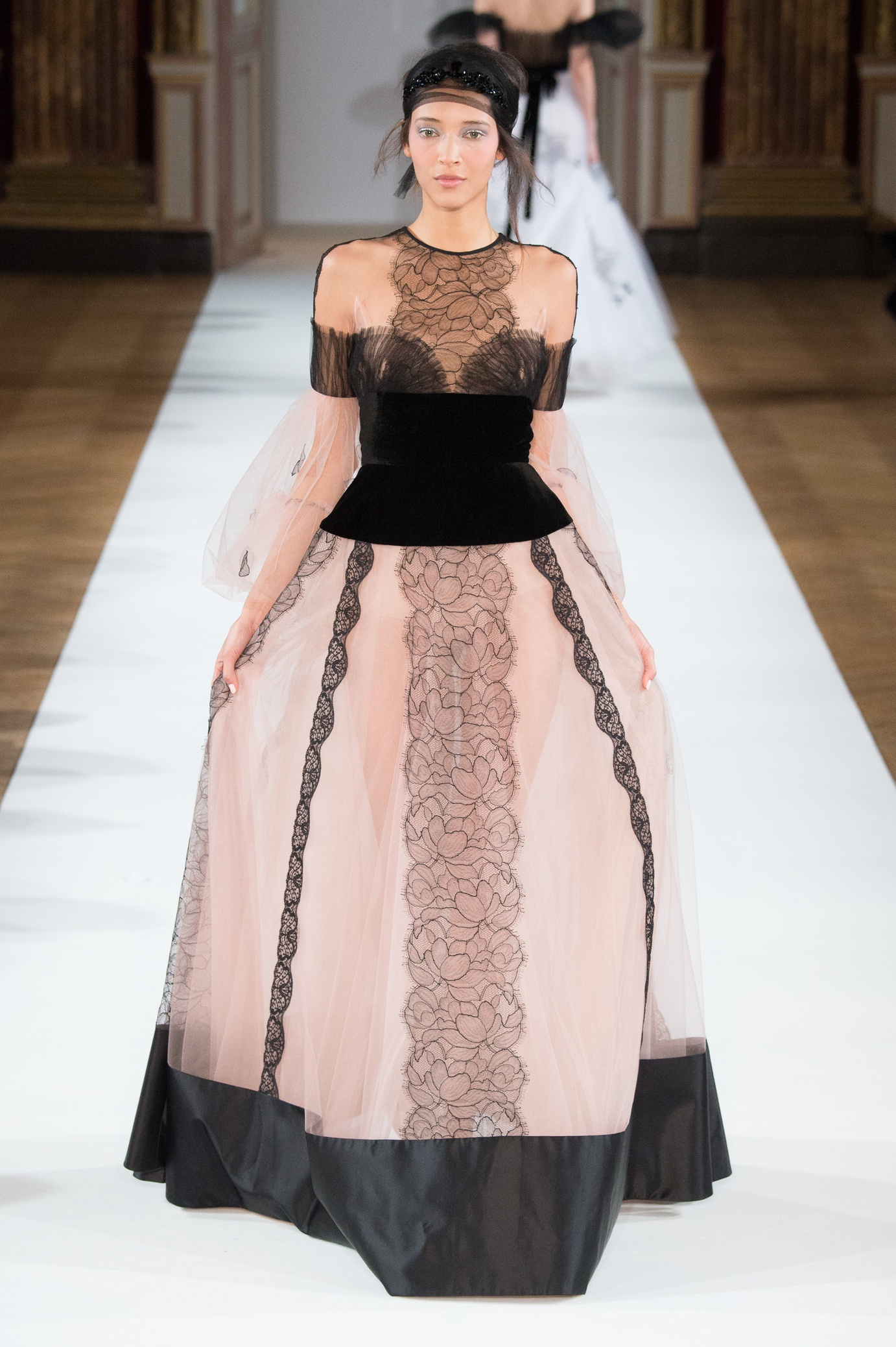 yanina_couture_ss16___look_26_jpg_5452_north_1382x_black