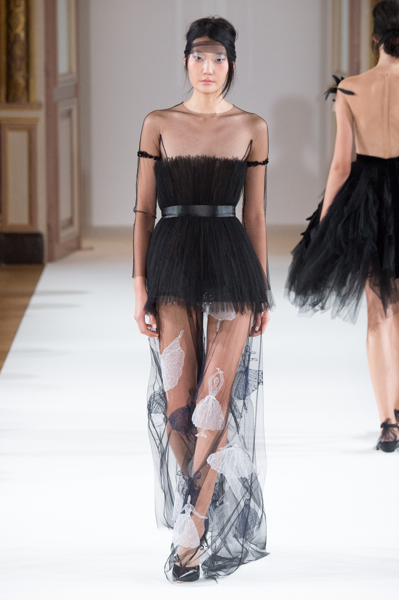 yanina_couture_ss16___look_3_jpg_4821_north_1382x_black