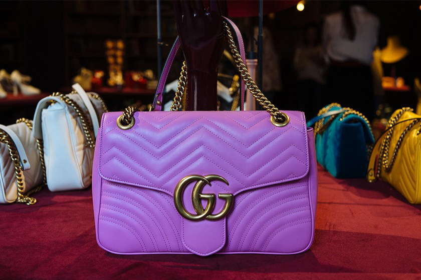 your-first-look-at-guccis-fall-winter-2016-accessories-12