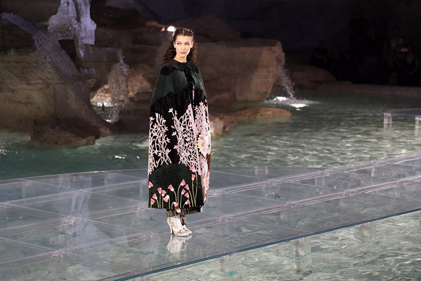 fendi-trevi-fountain-show_03